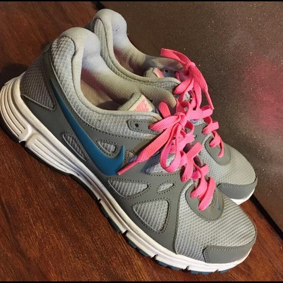 Nike Air Revolution 2